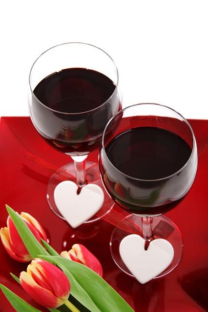 Top Happy Anniversary Glass of Wine 426 x 640 · 54 kB · jpeg
