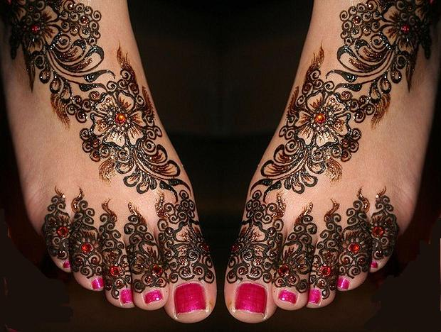 Indian-Mehndi-Designs-For-Feet
