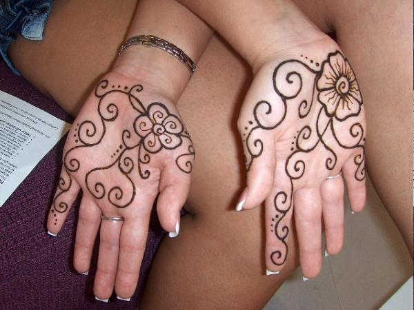 Simple-Mehndi-Designs-For-Hands-For-Beginners