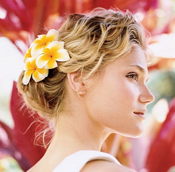 Wedding Hairstyle Beach: Romantic Bridal Hairstyles