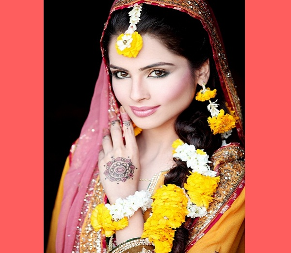 South Indian Bridal Hairstyles Wedding: Romantic Bridal Hairstyles