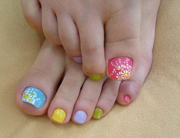 toe-nail-design