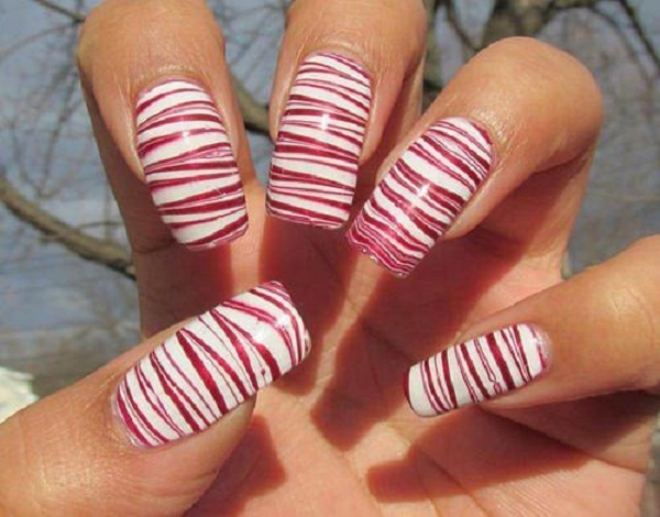 water-marble-nail-design